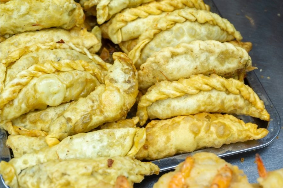 Goi cake, the famous tradittional food on Hanoi street