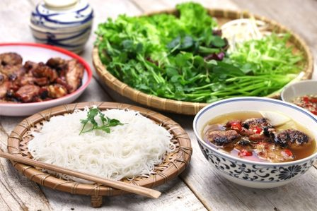 The Best Local Food in Hanoi: 19 Must-Try Dishes in Vietnam's Foodie Paradise