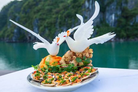 Fantastic Food to Eat in Halong Bay: 15 Delicious Dishes