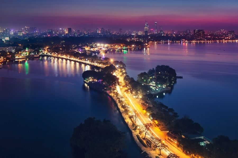 Where to stay in Hanoi at night