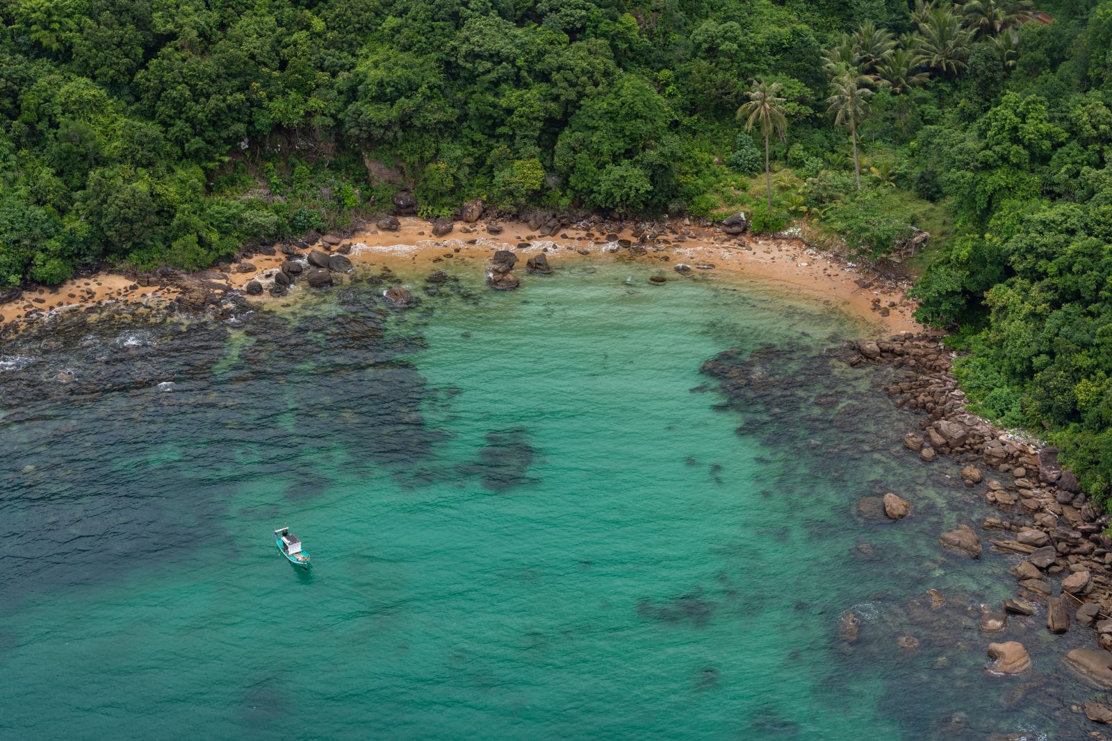 Phu Quoc listed among 15 best islands in the world to retire to