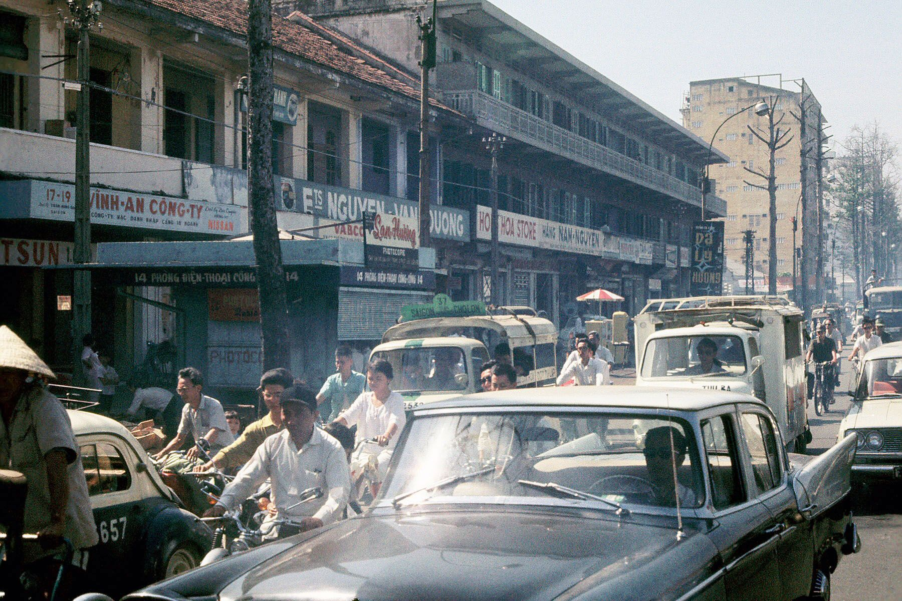 Awesome Photos of Saigon Street Life during1969-1970