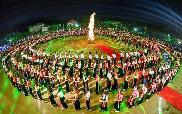 Northern province of Vietnam seeks to set Guinness record with 5,000 performing folk dance